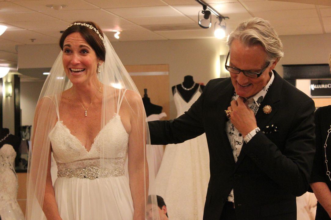 Montes beste Freundin sucht sich heute im Laden ein Kleid aus. Neben Monte g... - Bildquelle: TLC & Discovery Communications