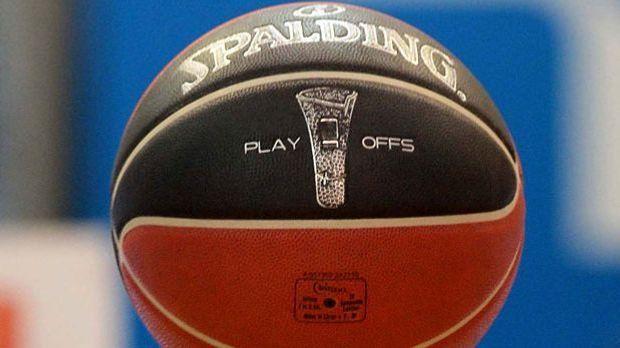 Foul, Doppeldribbel, Schrittfehler: Die wichtigsten Regeln des Basketball-Sports