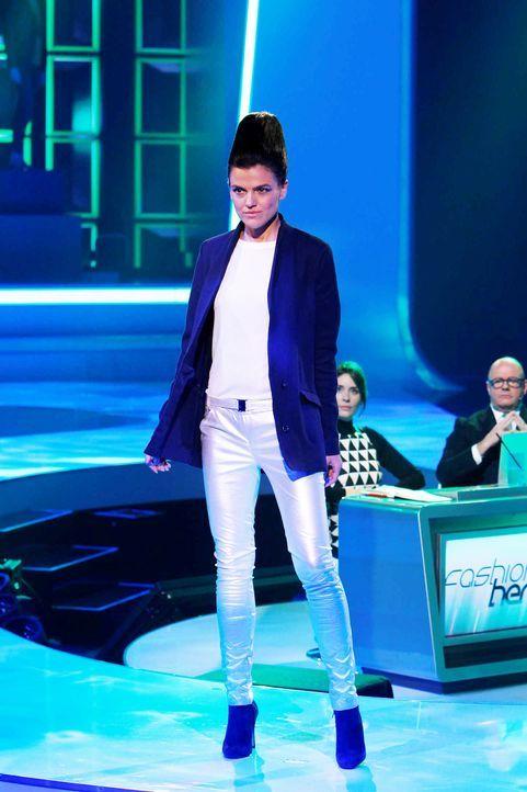 Fashion-Hero-Epi06-Gewinneroutfits-Tim-Labenda-Karstadt-01-Richard-Huebner - Bildquelle: Richard Huebner
