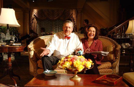 Sind begeistert von der Arbeit, die ihre Enkelin Rory im Frauenverein leistet...