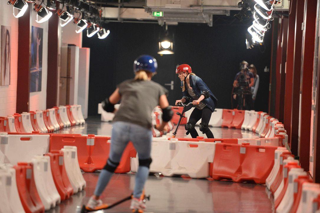 """Bei """"Schlag den Star"""" treten wieder Prominente gegeneinander an. Doch wer wird das Rennen machen - Annica Hansen (l.) oder Larissa Marolt (r.)? - Bildquelle: Willi Weber ProSieben"""