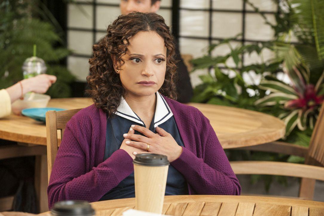 Ist entsetzt, als sie erfährt, dass Alfred eine Eizellenspende von Valentina erkaufen möchte: Zoila (Judy Reyes) ... - Bildquelle: ABC Studios