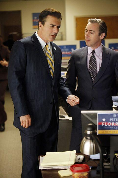 Peter Florrick (Chris Noth, l.) hat eine Idee, wie er junge Wähler für sich gewinnen will. Was hält Eli Gold (Alan Cumming, r.) von seiner Idee? - Bildquelle: CBS Broadcasting Inc. All Rights Reserved