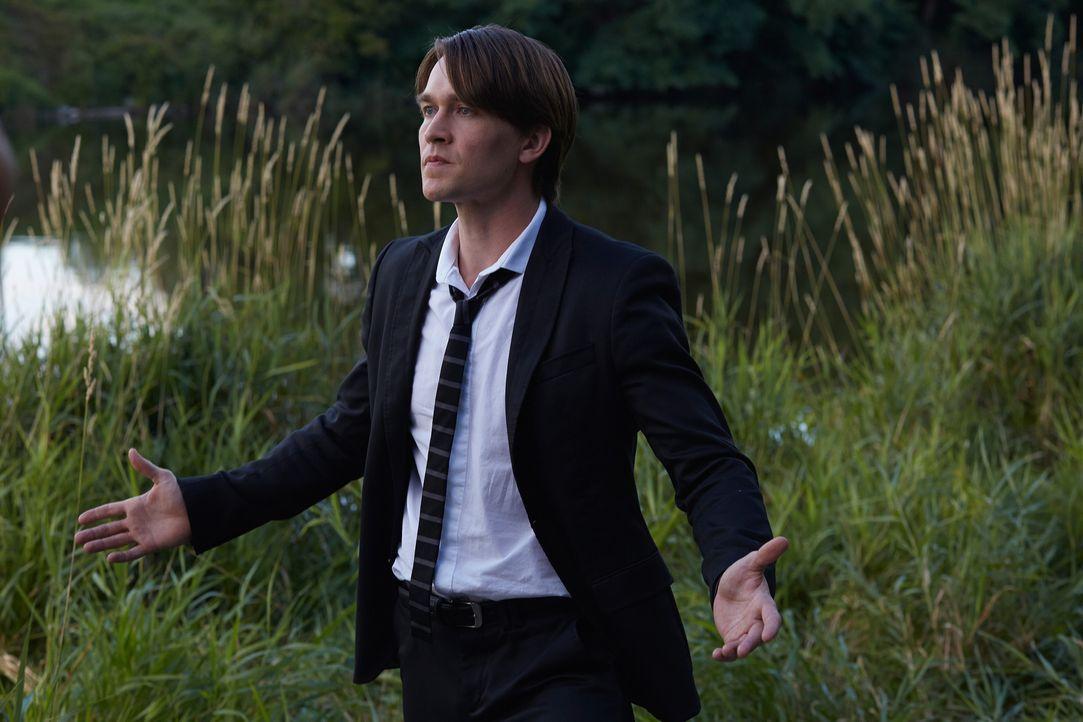 Steht Santos (Michael Luckett) schließlich ganz alleine da? - Bildquelle: 2014 She-Wolf Season 1 Productions Inc.