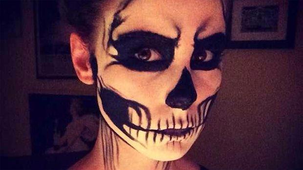 Lena-Meyer-Landrut-Skelett-Instagram - Bildquelle: Lena Meyer-Landrut/Facebook/Instagram