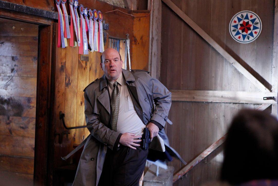 Auf der Suche nach einem Mörder: Bud Morris (John Carroll Lynch) ... - Bildquelle: 2010 American Broadcasting Companies, Inc. All rights reserved.