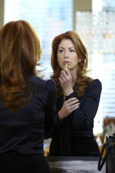Body of Proof - Bereitet sich auf ihr Date mit Derek vor: Megan (Dana Delany)...