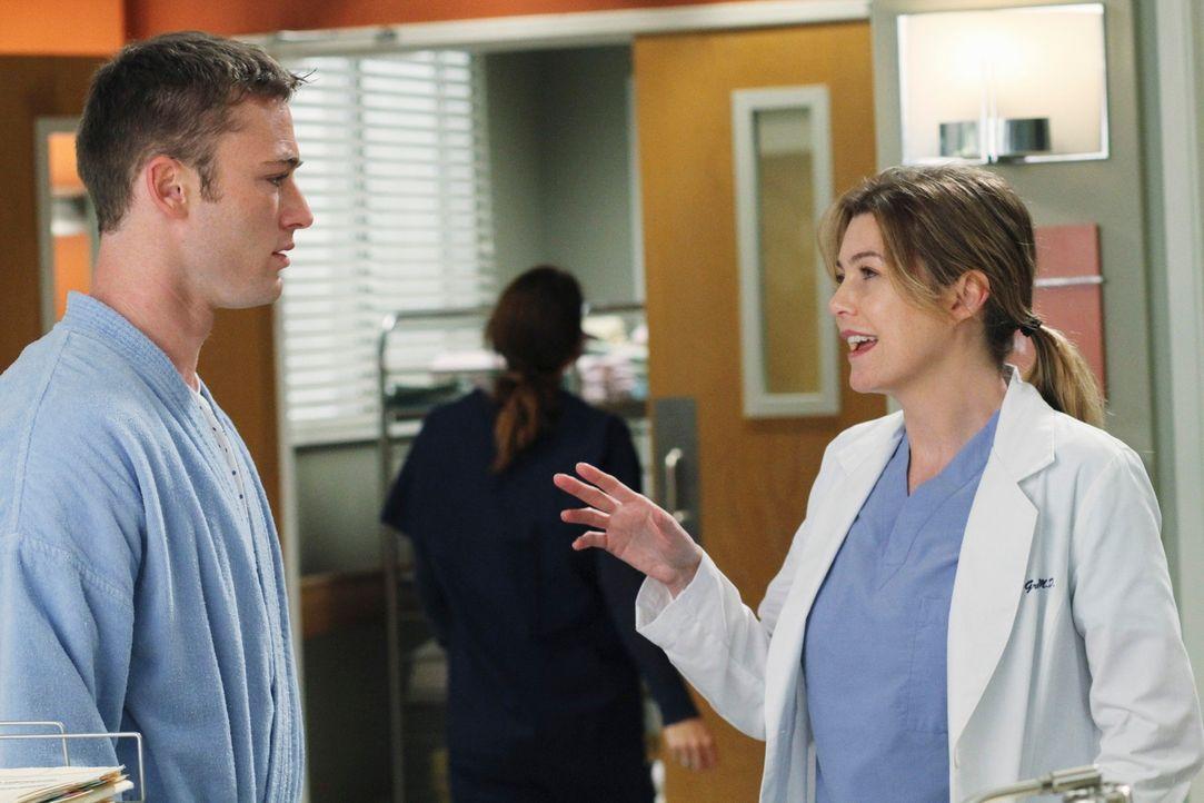Während Meredith (Ellen Pompeo, r.) aus fällt aus allen Wolken, als ihr Derek eines Morgens eröffnet, dass er über gemeinsam Kinder nachdenke, bekom... - Bildquelle: Touchstone Television