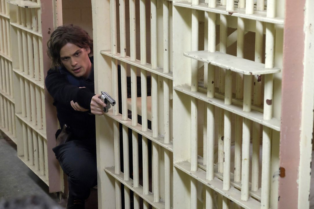 Spencer (Matthew Gray Gubler) macht sich Sorgen um seinen Chef Hotch. Denn jemand hat es so aussehen lassen, als hätte Hotch einen Bombenanschlag ge... - Bildquelle: Darren Michaels ABC Studios