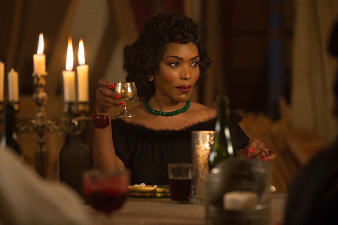 Wünscht sich eine gerechte Strafe für Stanley: Desiree (Angela Bassett) ... - Bildquelle: 2014-2015 Fox and its related entities. All rights reserved.