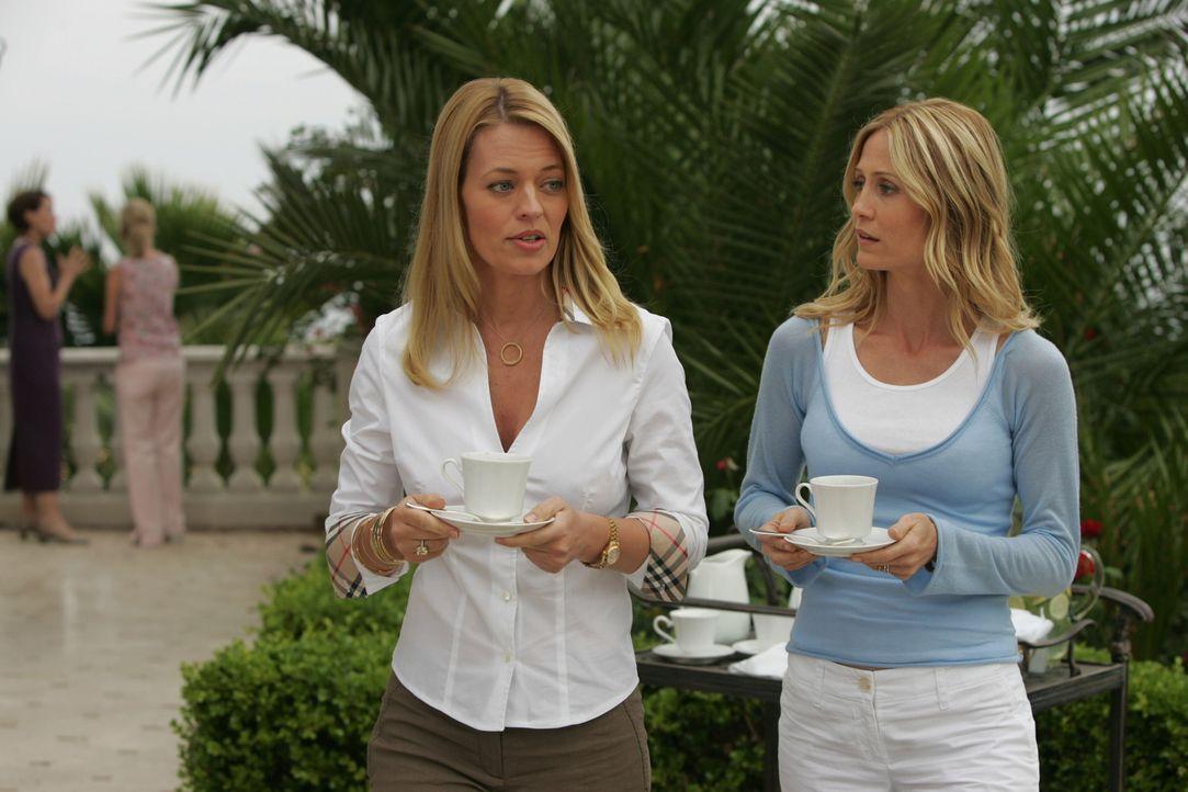 Sandy, Seth und Ryan versuchen zuhause mit den Vorfällen der vergangen Wochen klar zu kommen, während Kirsten (Kelly Rowan, r.) sich in der Klinik... - Bildquelle: Warner Bros. Television