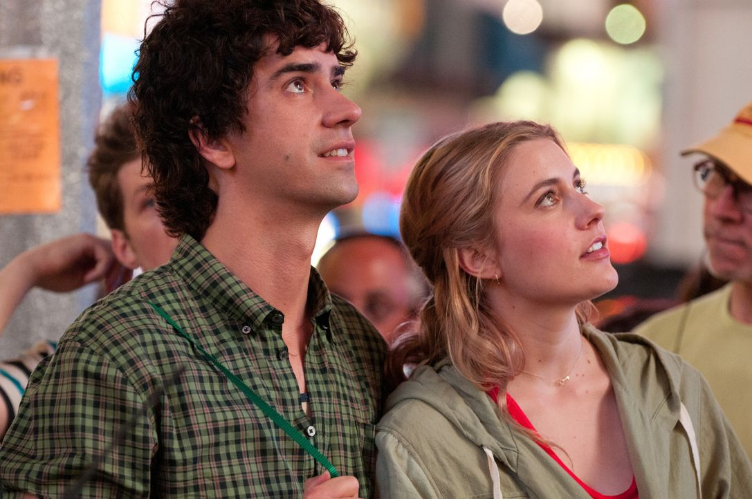 Nach der geplatzten Hochzeit landet Lola (Greta Gerwig, r.) ausgerechnet mit ihrer platonischen Liebe und bestem Freund ihres Ex, Henry (Hamish Link... - Bildquelle: Myles Aronowitz 2012 Twentieth Century Fox Film Corporation. All rights reserved.