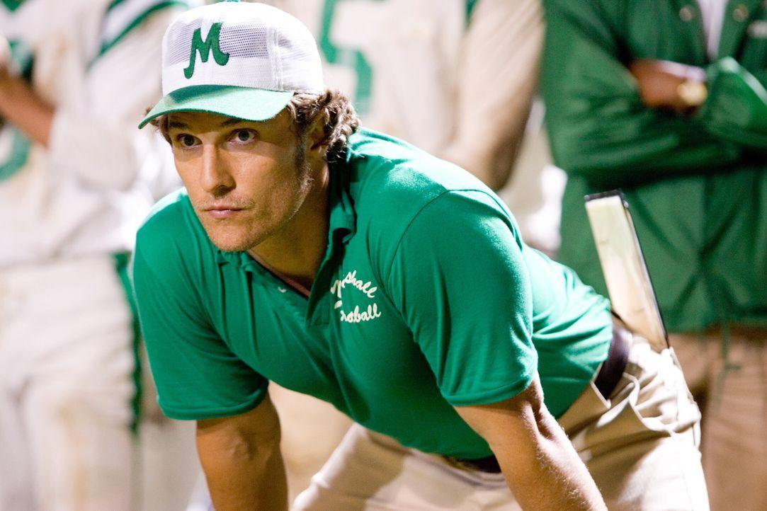 Den Job als Trainer einer Universitäts-Footballmannschaft hat sich Jack Lengyel (Matthew McConaughey) einfacher vorgestellt ... - Bildquelle: TM &   2005 Warner Bros. All Rights Reserved.