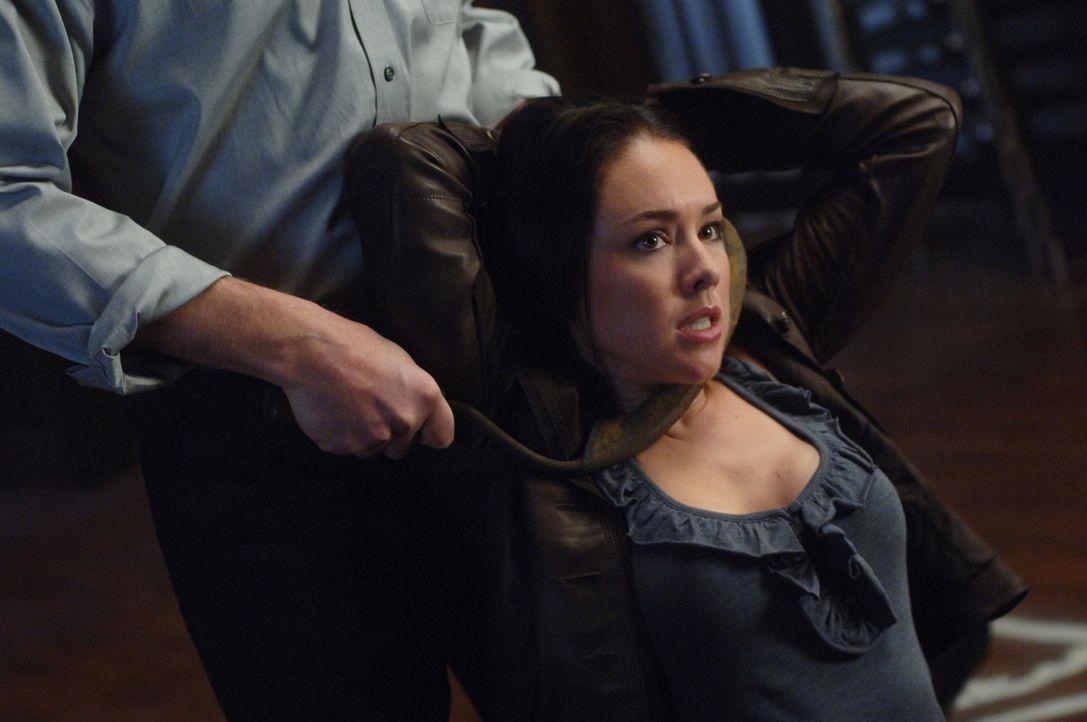 Gut oder Böse? Tessa (Lindsey McKeon) ... - Bildquelle: Warner Bros. Television