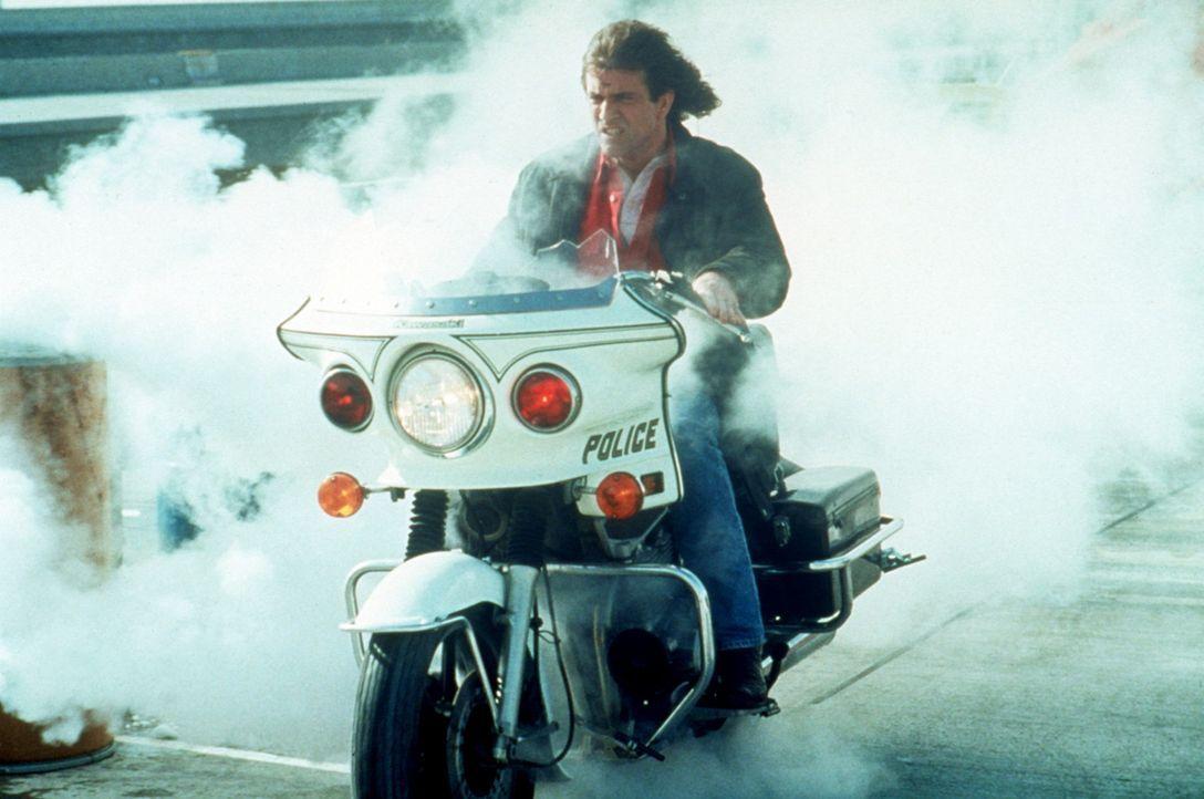 Kennt keine Straßenverkehrsordnung: Riggs (Mel Gibson) ... - Bildquelle: Warner Bros.