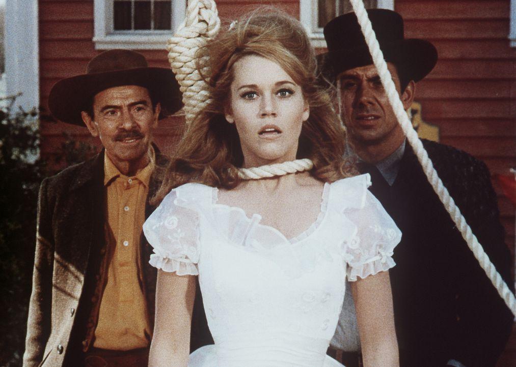Ihr letztes Stündlein hat geschlagen: Cat Ballou (Jane Fonda, M.) soll gehängt werden ... - Bildquelle: Columbia Pictures