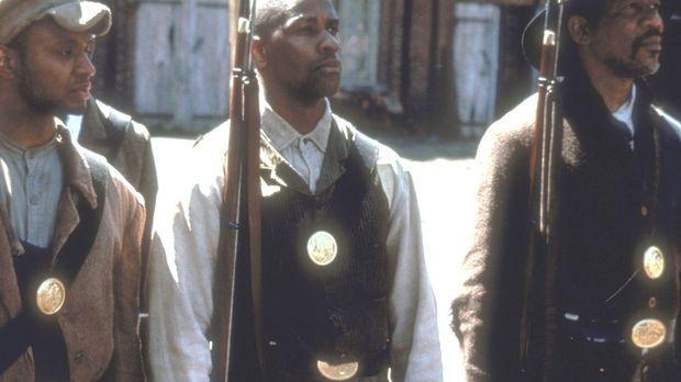 Der aufrührerischer Soldat Trip (Denzel Washington, M.) ist aus der Sklaverei...