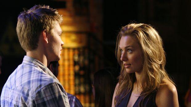 Hat ihre Liebe eine Chance? Lucas (Chad Michael Murray, l.) und Lindsey (Mich...