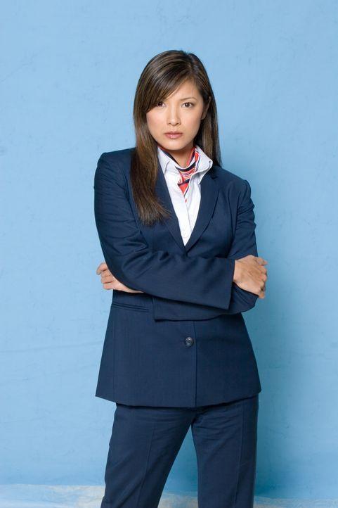 Noch ahnt die attraktive Stewardess Sharon (Kelly Hu) nicht, dass beim nächsten Flug ein Alptraum wahr werden wird ... - Bildquelle: Columbia Broadcasting System