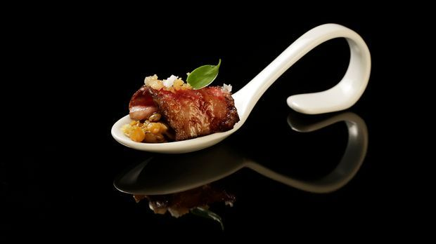 The-Taste-Stf01-Epi04-2-Wagyu-Beef-Sabrina-Fenzl-02-SAT1