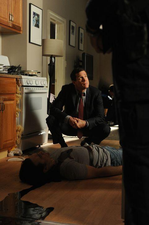 Auf der Suche nach einem Mörder: Al (Dylan Walsh) ... - Bildquelle: 2011 CBS Broadcasting Inc. All Rights Reserved.