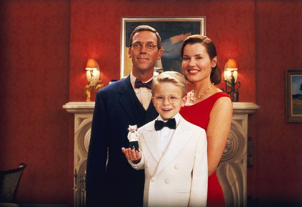 Eine rundum glückliche Familie: Mr. und Mrs. Little (Hugh Laurie, hinten l., Geena Davis, hinten r.) mit Söhnchen George (Jonathan Lipnicki, vorne... - Bildquelle: Columbia TriStar Film