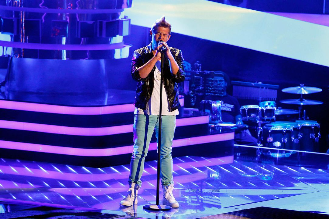 jonathan-02-the-voice-of-germany-staffel-2-epi05-showjpg 2100 x 1400 - Bildquelle: SAT.1/ProSieben/Richard Hübner