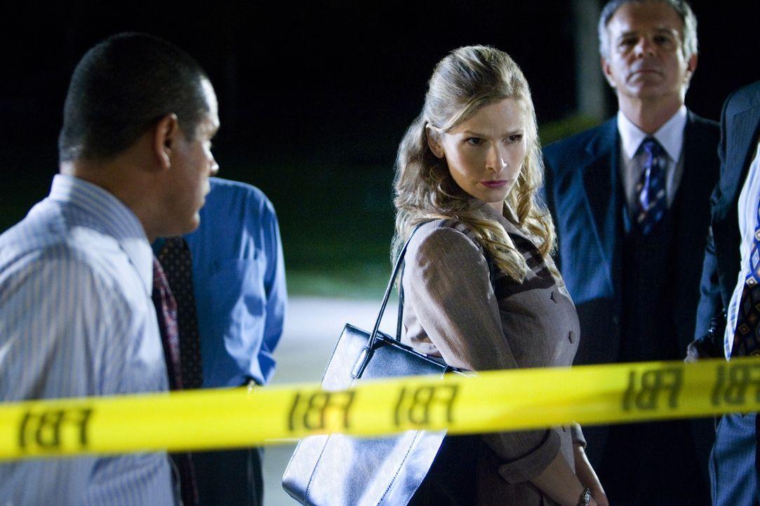 Innerhalb von nur zwei Tagen sollen Brenda (Kyra Sedgwick) und ihr Team einen Fall lösen, doch dann deckt sie eine Verbindung auf, die alles verkomp... - Bildquelle: Warner Brothers
