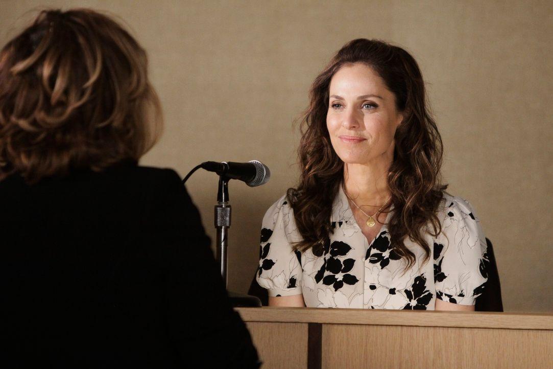 Violet (Amy Brenneman, r.) kämpft vor Gericht gegen Pete um ein gemeinsames Sorgerecht für Lucas ... - Bildquelle: ABC Studios
