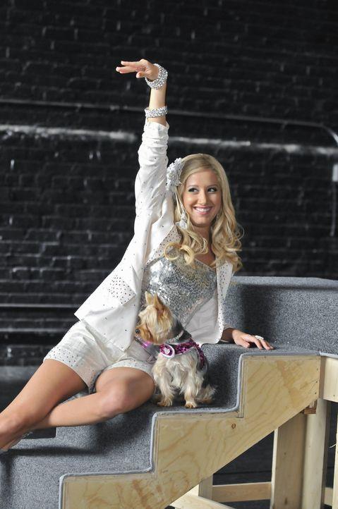 Sie hat einen Traum, den sie unbedingt verwirklichen will: Sharpay (Ashley Tisdale will am Broadway in einem großen Musical mitspielen. Doch noch wo... - Bildquelle: 2010 Disney Enterprises, Inc. All rights reserved.