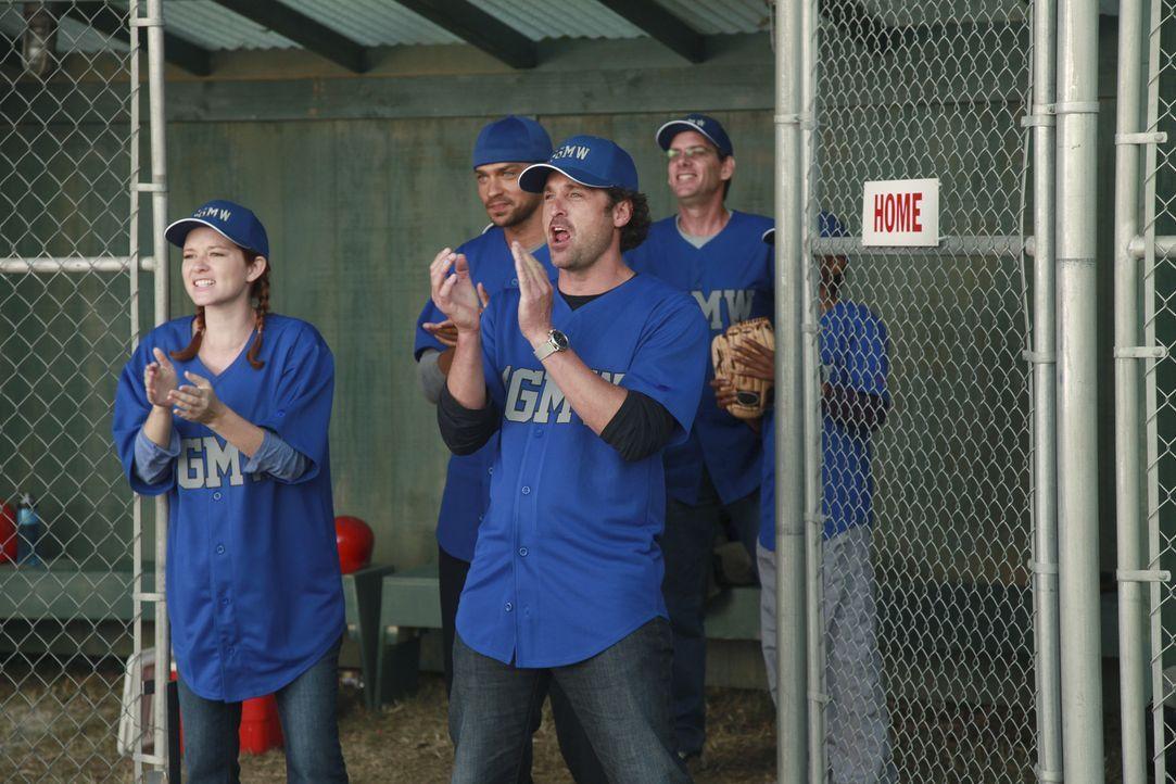 Owen organisiert ein Baseballspiel gegen das Seattle Presbyterian Krankenhaus. Doch während des Spiels tragen einige der Ärzte ihre Konflikte inne... - Bildquelle: ABC Studios
