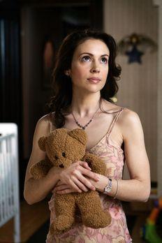 Charmed - Zauberhafte Hexen - Phoebe (Alyssa Milano) findet es empörend, dass...