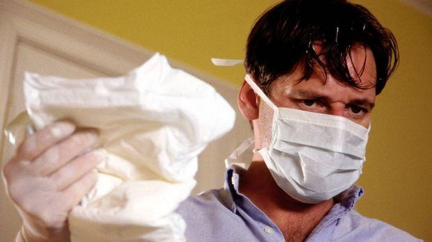 Bisher konnte der äußerst erfolgreiche Herzchirurg Benjamin Hofer (Max Tidorf...