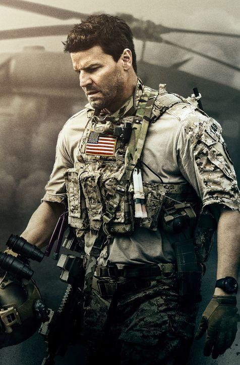 (1. Staffel) - Die lebensgefährlichen Missionen, zu denen das Navy SEAL Team um Jason Hayes (David Boreanaz) meist spontan berufen werden, führt die... - Bildquelle: 2017 CBS Broadcasting, Inc. All Rights Reserved