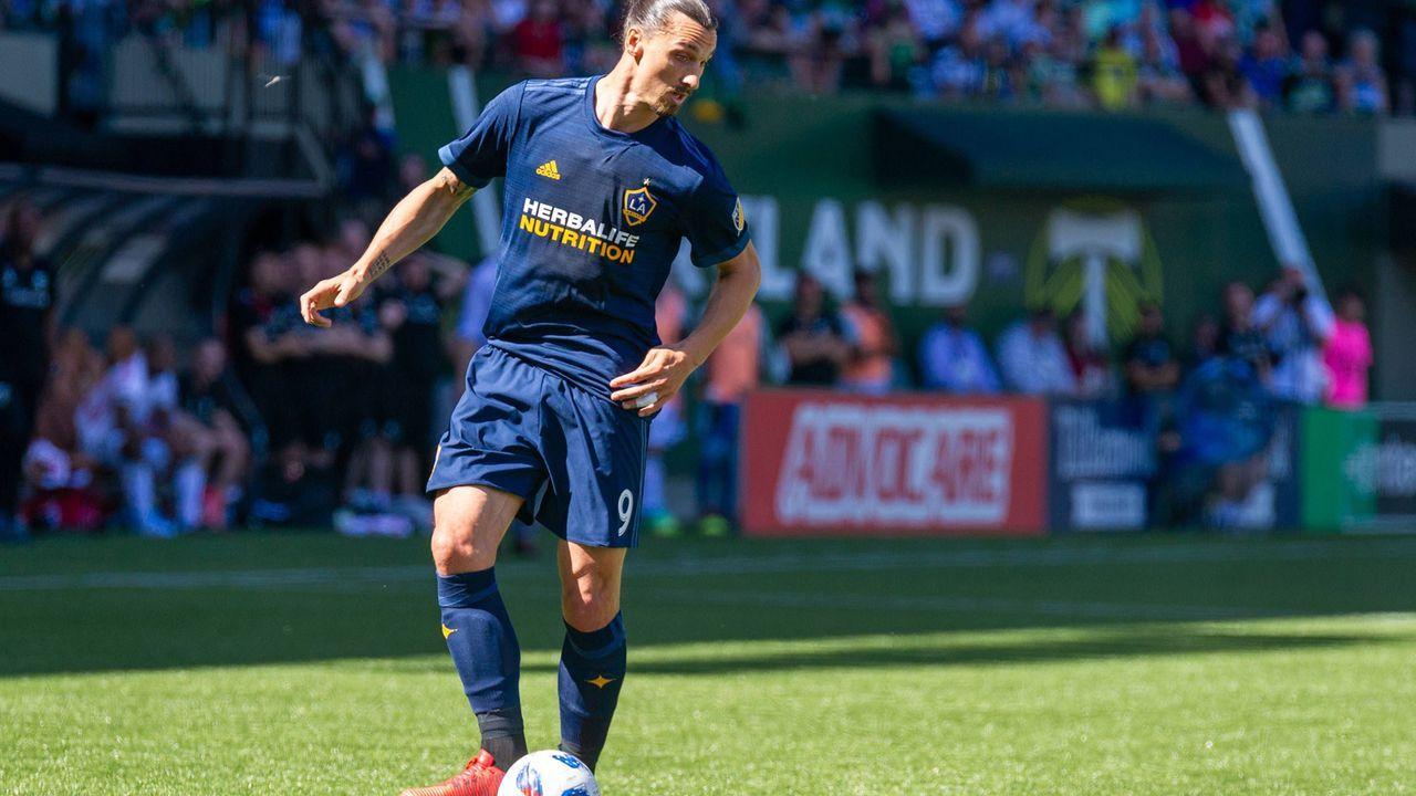 Zlatan Ibrahimovic mag nicht auf Kunstrasen spielen - Bildquelle: Imago