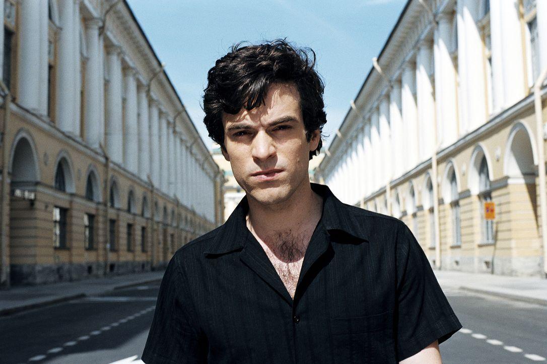 Ist starken Gefühlsschwankungen unterworfen und weiß nicht, wen er eigentlich liebt: Xavier (Romain Duris) ... - Bildquelle: Tobis Film