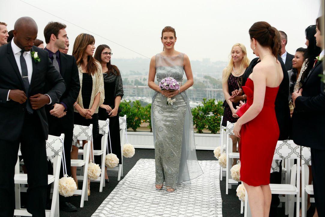Endlich ist es soweit, Addison (Kate Walsh, M.) und Jake geben sich das Ja-Wort ... - Bildquelle: ABC Studios