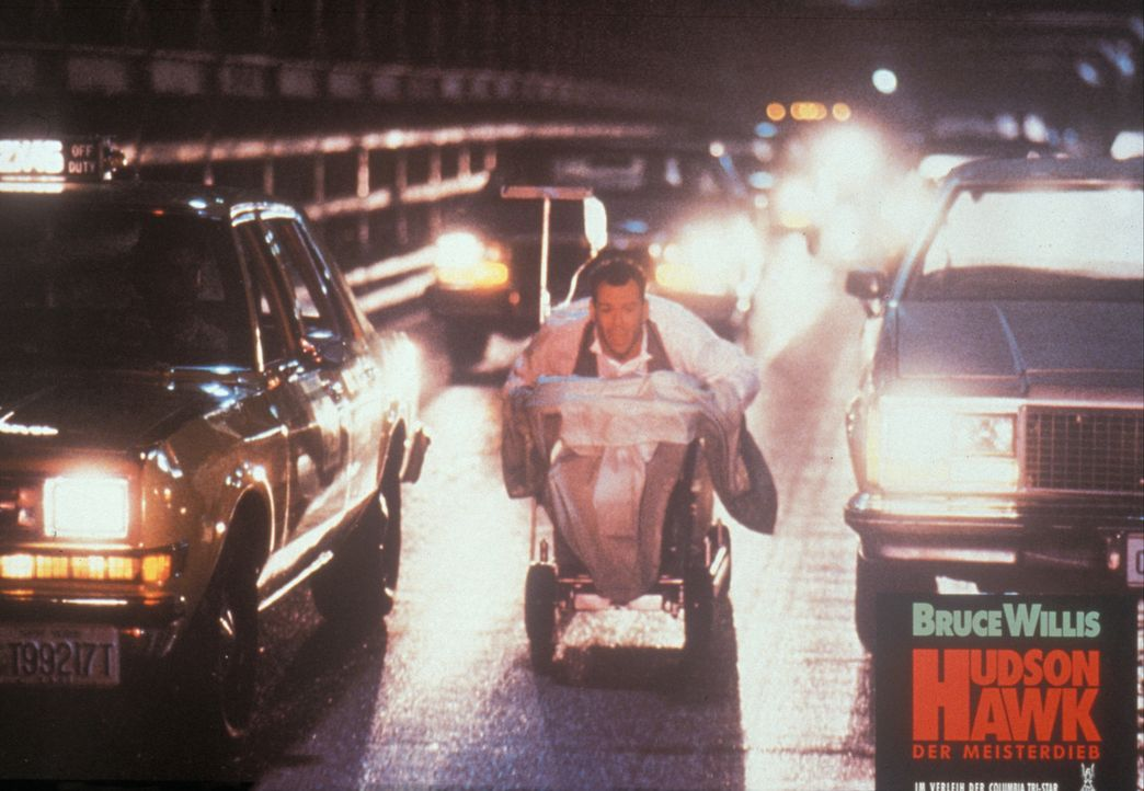 Allein gegen alle: Hudson (Bruce Willis) ... - Bildquelle: Columbia TriStar
