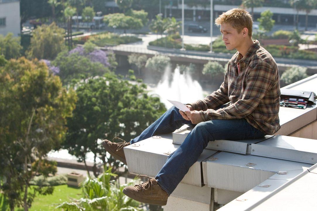 Durch die Krankheit seiner Schwester  Kate wurde er nahezu komplett vernachlässigt: Jesse (Evan Ellingson) ... - Bildquelle: Warner Brothers