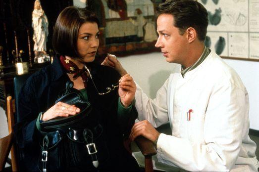 Für alle Fälle Stefanie - Stephanie (Claudia Schmutzler, l.) besucht den dubi...