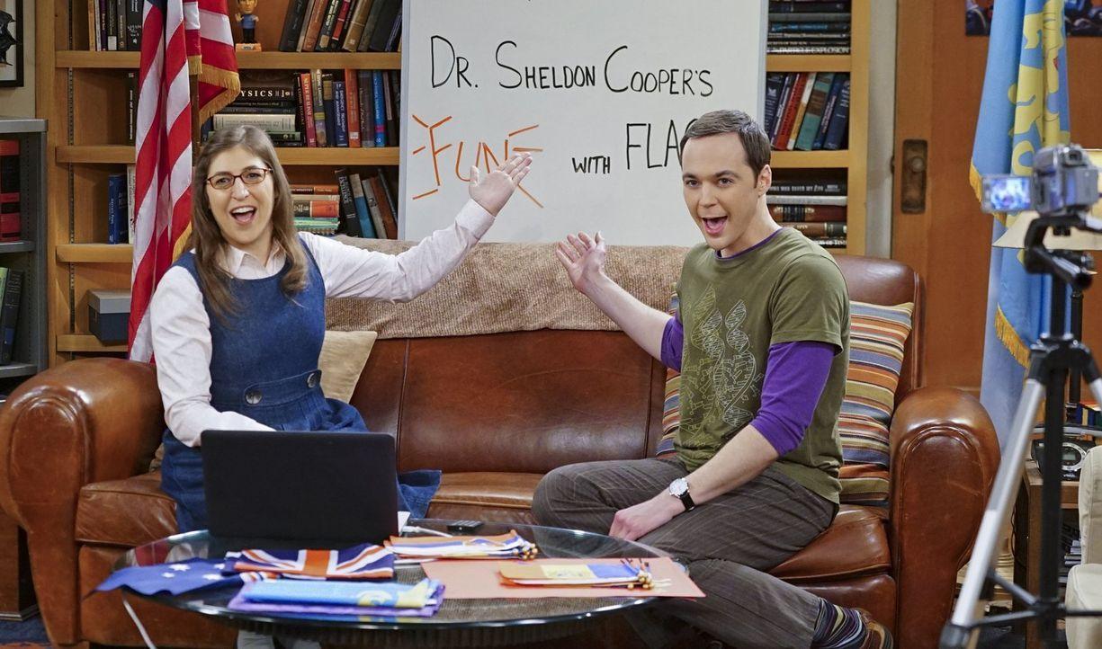 """Amy (Mayim Bialik, l.) und Sheldon (Jim Parsons, r.) haben etwas ganz besonderes vor am Valentinstag: eine Live-Ausgabe von """"Fun with Flags"""", die ab... - Bildquelle: 2015 Warner Brothers"""