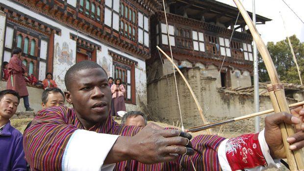 Bogenschießen ist im Himalayastaat Bhutan nicht irgendein Sport - es ist der...