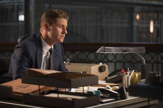 Gotham - Während Edward sich mit seiner Tat auseinandersetzen muss, kämpft Go...