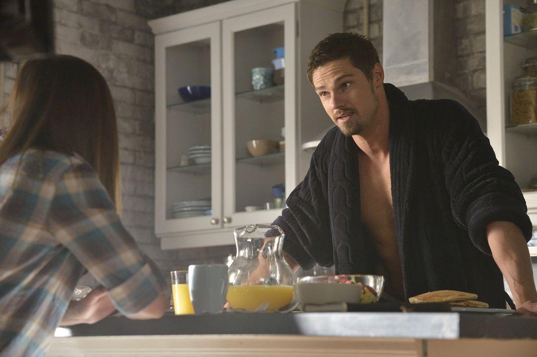 Wie sich herausstellt, hat Gabe einen Weg gefunden, sich wieder in ein Biest zu verwandeln. Diesmal ist er zweifellos mächtiger als Vincent (Jay Rya... - Bildquelle: 2013 The CW Network, LLC. All rights reserved.