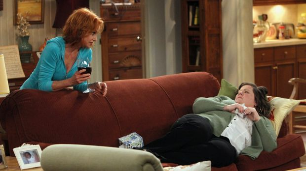 Mike & Molly - Molly (Melissa McCarthy, r.) freut sich auf das Date mit Mike,...