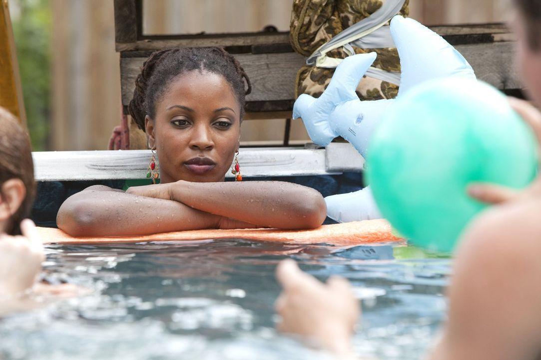 Die Tatsache, dass Frank wieder zurückzukehren scheint, geht Veronica (Shanola Hampton) gehörig auf den Senkel ... - Bildquelle: 2010 Warner Brothers