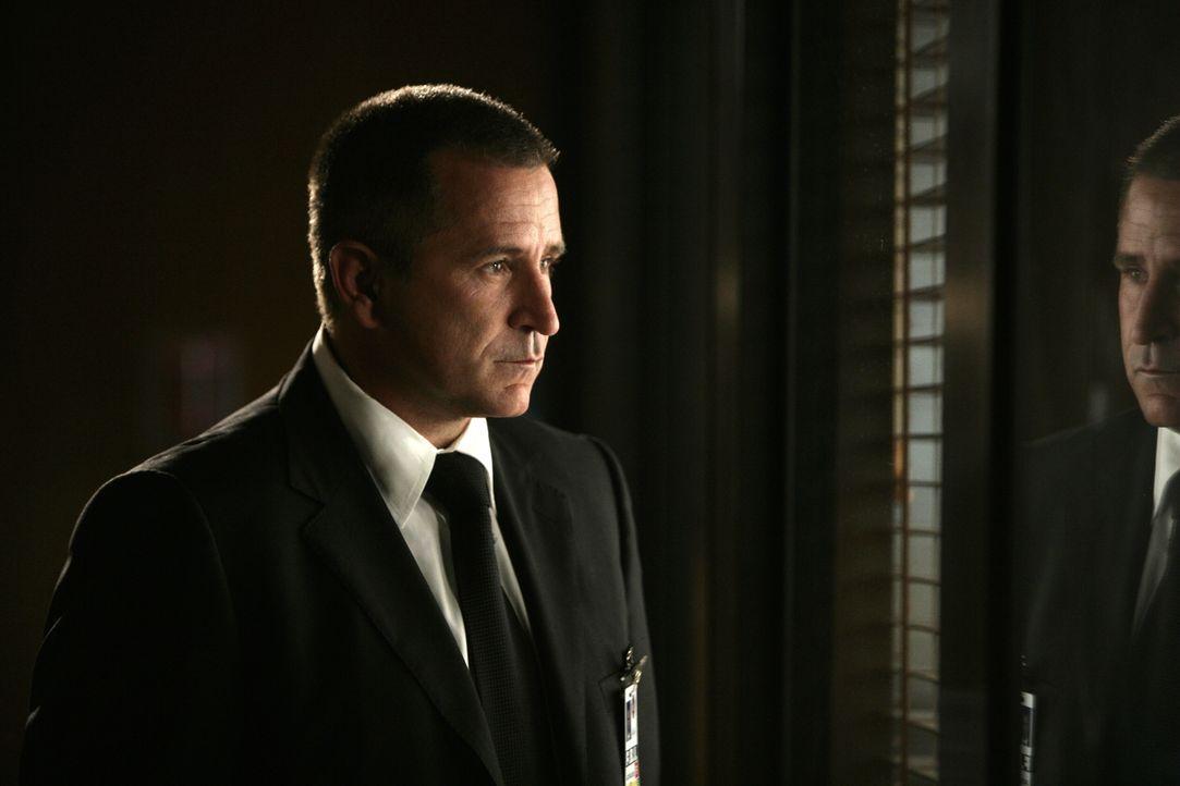 Muss sich mit seinem neuen Boss auseinander setzten: Jack Malone (Anthony LaPaglia) ... - Bildquelle: Warner Bros. Entertainment Inc.