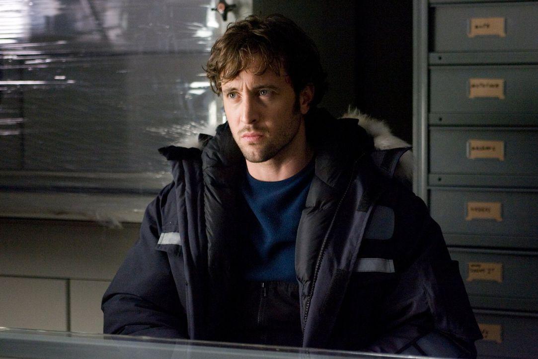 Hat Russell Haden (Alex O'Loughlin) etwas mit den Morden zu tun? - Bildquelle: Warner Bros.