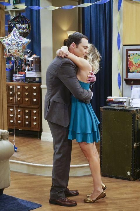 Weil Sheldons (Jim Parsons, l.) Geburtstage in seiner Kindheit immer sehr enttäuschend für ihn waren, möchte er nicht, dass seine Freunde eine Party... - Bildquelle: 2016 Warner Brothers
