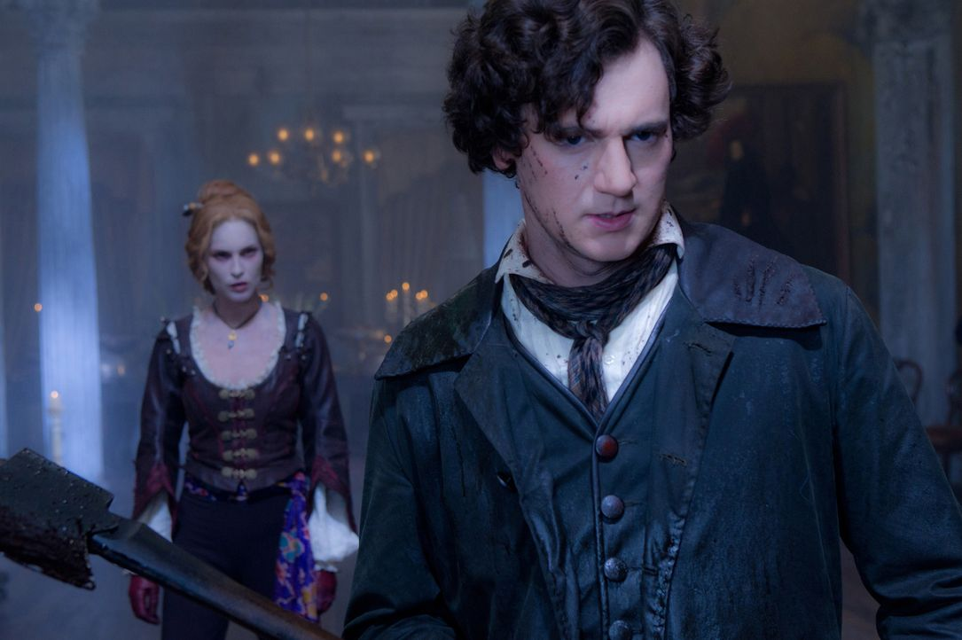 Nachdem seine Mutter von Vampiren getötet wurde, lässt Abraham Lincoln (Benjamin Walker, r.) zu einem Vampirjäger ausbilden. Als er erfährt, dass de... - Bildquelle: Stephen Vaughan 2012 Twentieth Century Fox Film Corporation. All rights reserved.